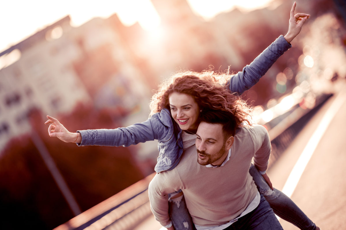 Wie man jemandem Ihre Telefonnummer Online-Dating