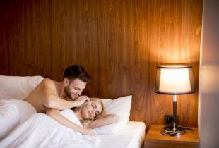 Warum Distanz Eine Beziehung Anfällig Macht Für Untreue